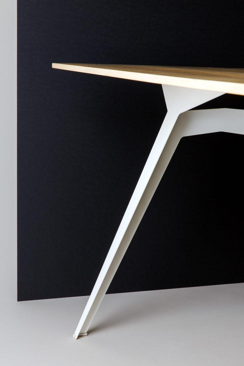 Table Ferdinand