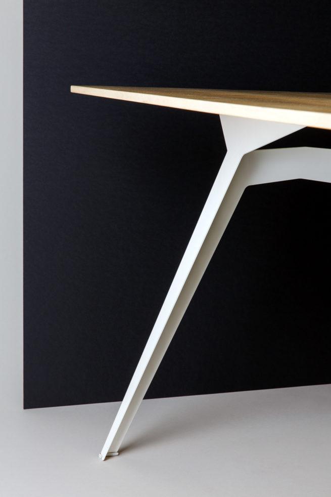 Tisch Ferdinand
